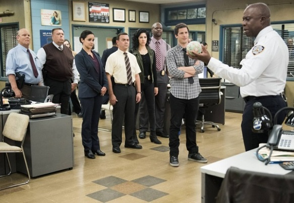 brooklyn-nine-nine-season-2-episode-16-captain-holt-jake-peralta-terry-jeffords