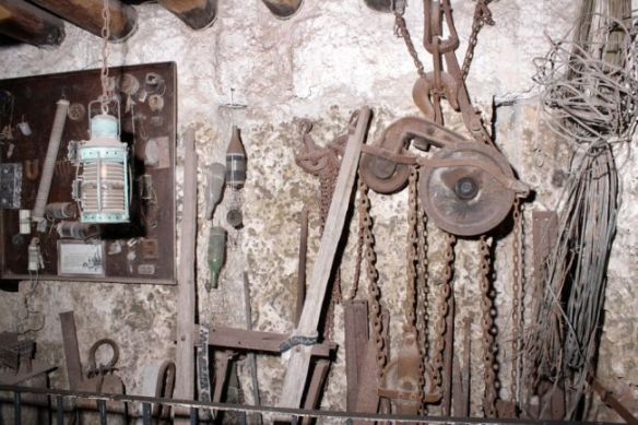 coral castle tools