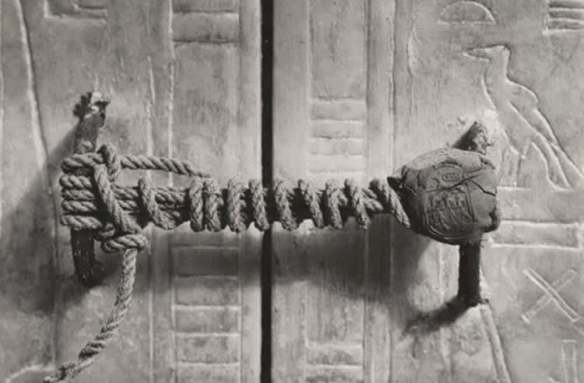 the seal on king tut's tomb